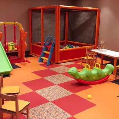 Emirgan Sütiş ( Watergarden )Çocuk Oyun Odası - LVT